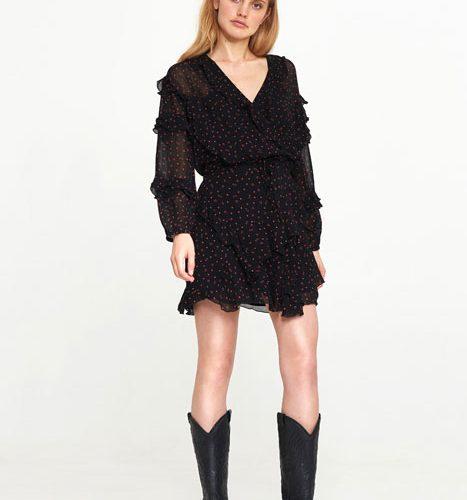 alix the label top in combinatie met het rokje voor een 'jurkje' look